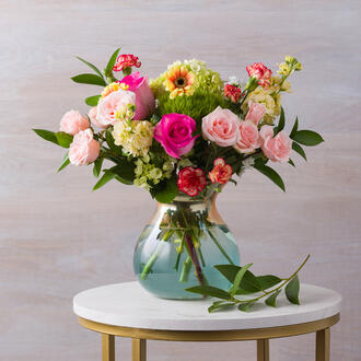 1-Teardrop-Vase_with_Mothers-Day-Bouquet_1011 copy