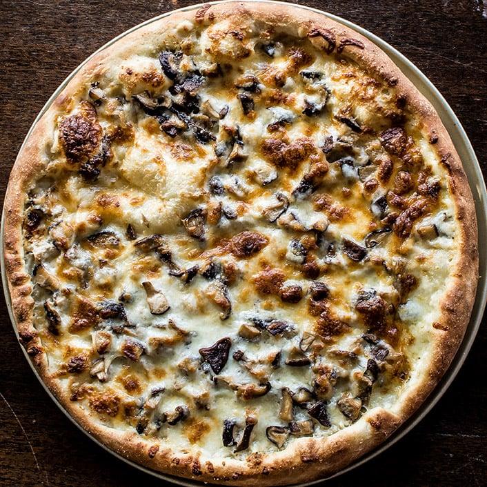 Wild Mushroom White Pizza 3 (1 of 1)