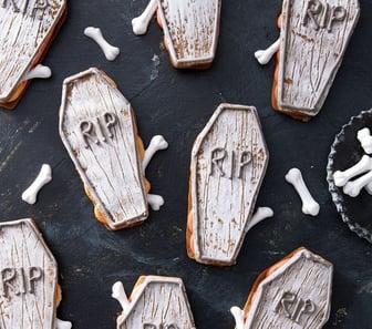 halloween-coffin-sandwich-cookies-recipe-1567799263