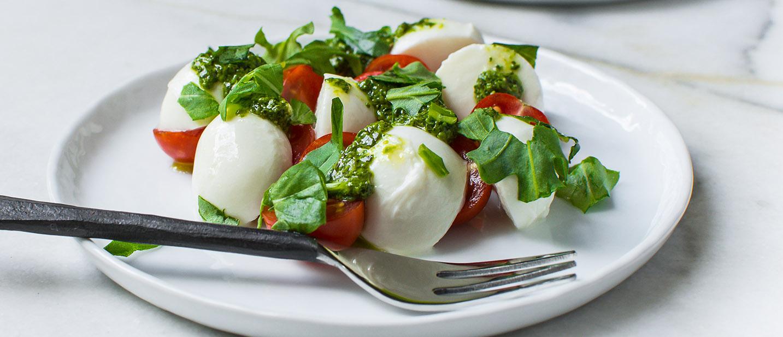 cover-Tomato Mozzarella Salad 4 (1 of 1)